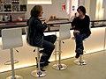Am Tresen, die Künstlerinnen Ulrike Enders und Sandra Marianne Gast bei einer Tasse Kaffee auf der Art(f)air 2012, SofaLoft, Jordanstraße 26, Hannover.jpg