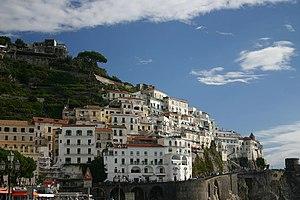 Amalfian Laws - The town of Amalfi