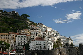 Amalfian Laws - The town of Amalfi