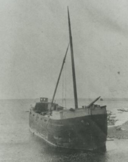 Wooden schooner-barge wrecked in the Mataafa Storm of 1905