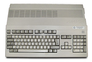 Amiga 500 Plus - Image: Amiga 500 Plus (white background)