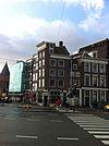 foto van Hoekhuis met gevels onder rechte lijsten
