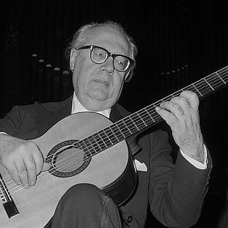Guitar solo - Classical guitar soloist Andrés Segovia (1962)