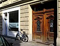 Angertorstraße 3 WikimUC und Haustür.jpg