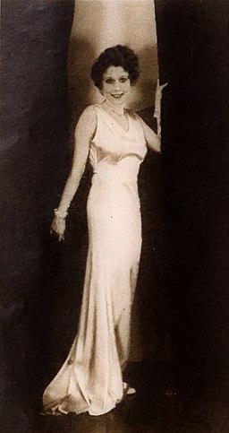 Annette Hanshaw modelling 04