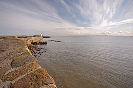 Anstruther Harbour Wall (geograph 1799247).jpg
