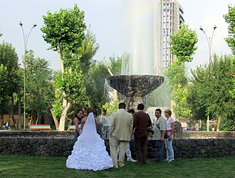 English Park, Yerevan - Image: Armenia A Wedding (5034068397)