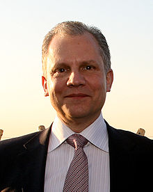 Arthur Sulzberger Jr at FT Spring Party.jpg