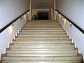 Aus dem Keller hinauf zu den Stufen zum Ruhm, Detlef Stoffel und Besucher bei Detlef - 60 Jahre schwul. Kino im Künstlerhaus, Perlen - Queer Film Festival Hannover, 2012.jpg