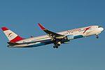 Austrian Airlines OE-LAW (6138515234).jpg