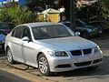 BMW 318i 2.0 2008 (12196864513).jpg