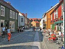 Pavement cafes at Bakklandet
