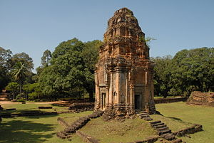 Bakong - The brick towers surrounding the central pyramid resemble those of the other temples at Hariharalaya, namely Preah Ko and Lolei.