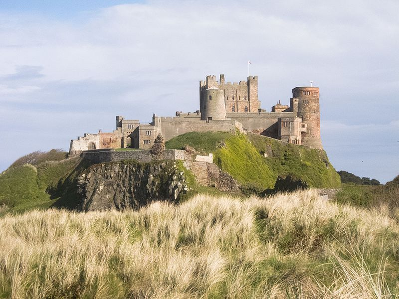File:Bamburgh Castle in Northumberland (26913585804).jpg