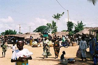 Commune and city in Mono Department, Benin