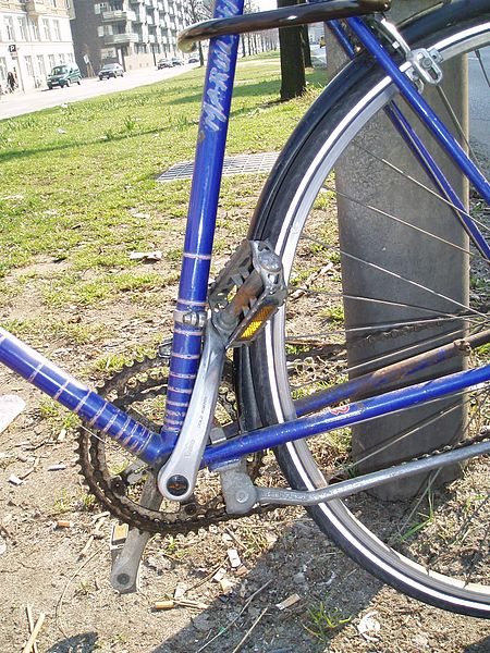 File:Bike post collision closeup.jpg