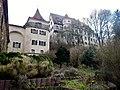 Blick auf den historischen Hängegarten (Dach- oder Terrassengarten, zwischen 1569 und 1573 errichtet) beim Schloss Neufra - panoramio.jpg