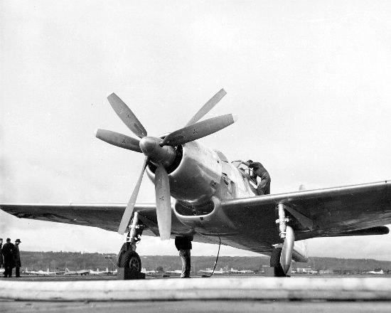 Boeing XF8B-1 on ground