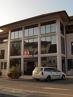 Bons-en-Chablais - mairie.JPG