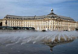 Bordeaux wikip dia for Piscine miroir wikipedia