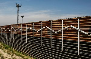Emigration from Mexico - Image: Border Wall at Tijuana and San Diego Border
