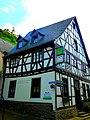 Braubach – Weinstube und Ferienhaus Obermarkt an der Sonnengasse unter der Marksburg - panoramio.jpg