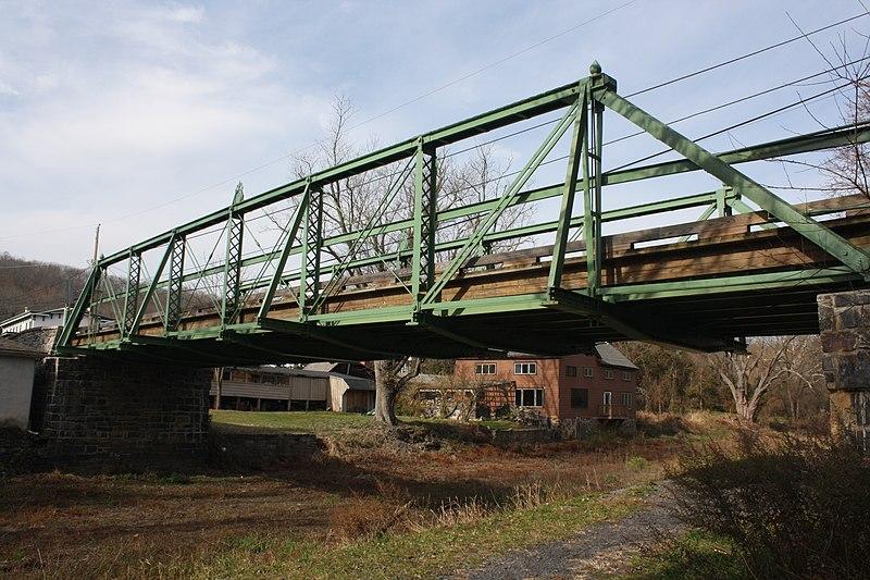 File:Bridge in Tinicum Township 04.JPG