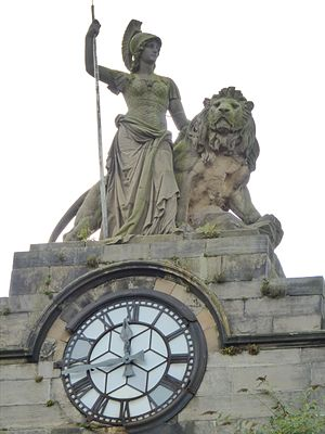 Perth Academy - John Rhind's Britannia and the clock on the old Academy building in Rose Terrace