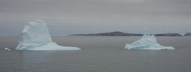 File:Broken iceberg upernavik 2007-08-21  1.jpg