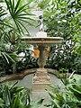 Brunnenfigur Tropicarium@Palmengarten Frankfurt a.M. 20170820.jpg