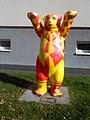 Buddy bear vor BVG-Betriebshof L'berg, Lora Schlee, 2017-09-14 ama fec.jpg
