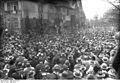 Bundesarchiv Bild 102-01303, Hannover, Villa Hindenburgs, Menschenmenge.jpg