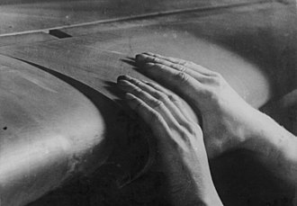 Leading-edge slat - Automatic slats of a Messerschmitt Bf 109
