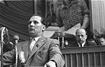 Bundesarchiv Bild 183-57000-0512, V. Parteitag der SED, Honecker spricht.jpg