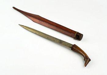 COLLECTIE TROPENMUSEUM Dolk met houten schede TMnr H-1482