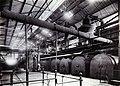 COLLECTIE TROPENMUSEUM Kookketels voor hoofdsuiker in de suikerfabriek Ketegan Soerabaja TMnr 60052489.jpg
