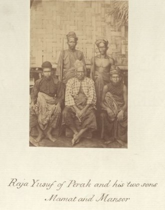 Perak Sultanate - Sultan Yusuf Sharifuddin Mudzaffar Shah (center) with his two sons, Mamat and Mansor, circa 1860–1900