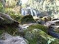 Cachoeira, Pedras,musgos, árvores e vegetação. - panoramio.jpg