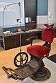 Cadira d'Ash per a anestesiar, col·lecció cientificomèdica de la Universitat de València.JPG