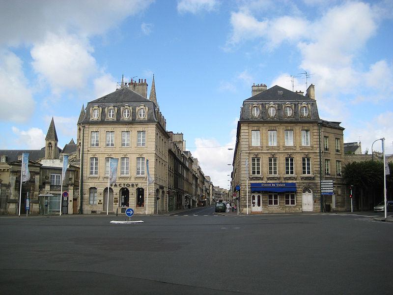 Pavillons de la place Fontette à l'entrée de la rue Guillaume le Conquérant à Caen (Calvados)