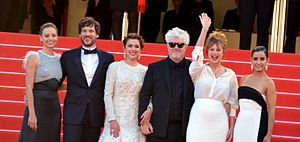 Julieta (film) - Director and stars at the 2016 Cannes Film Festival.