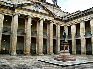 Congress of Colombia - Image: Capitolio Nacional 1