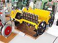 Caterpillar Type 6 cil Bulldozer Mechanisch.JPG