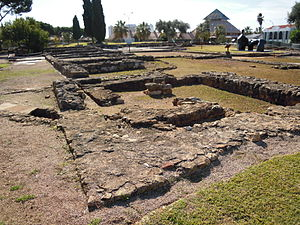 Roman ruins of Cerro da Vila - Vestiges of the walls of the dwellings and dependencies