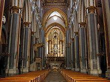 Interno della chiesa di San Domenico Maggiore a Napoli, dove Bruno seguì il suo noviziato e fu promosso agli ordini sacri