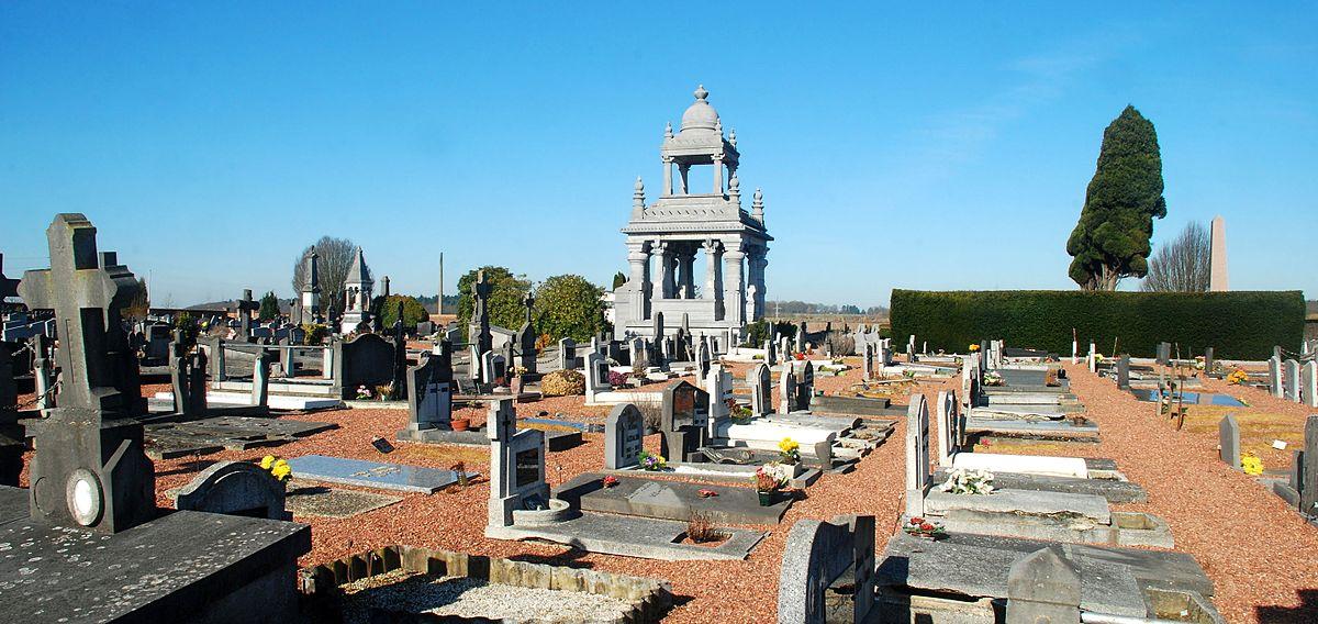 Cimeti re de court saint tienne wikip dia - Mobilier jardin d ulysse saint etienne ...
