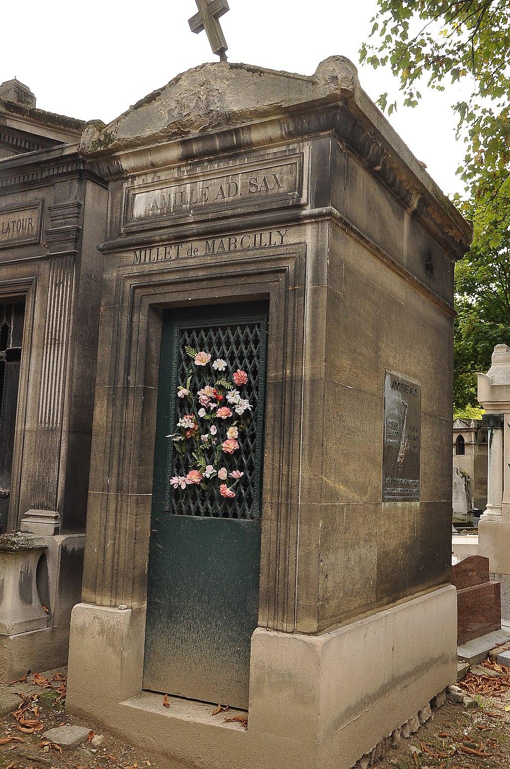 קברו של אדולף סאקס. צילם: Moonikeur