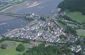 Conwy town walls aerial.jpg