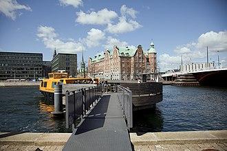 Copenhagen Harbour Buses - Image: Copenhagen Harbour Buses Knippelsbro terminal