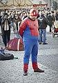 Cosplayer de Spiderman en la Plaza Mayor de Madrid.jpg